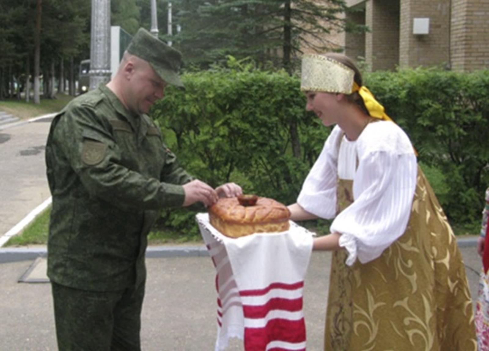 Их оружие-клыки: в подмосковном Дмитрове проходит конкурс «Верный друг» | Видео