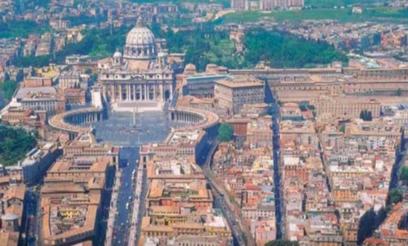 Ватикан прокомментировал доклад о сексуальном насилии над детьми в США