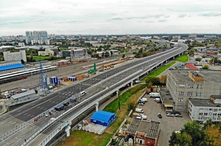 Новая разметка на Варшавском шоссе обеспечивает более свободное движение машин / комплекс градостроительной политики и строительства