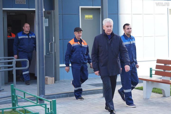 Сергей Собянин поздравил с переселением по реновации одну из столичных семей