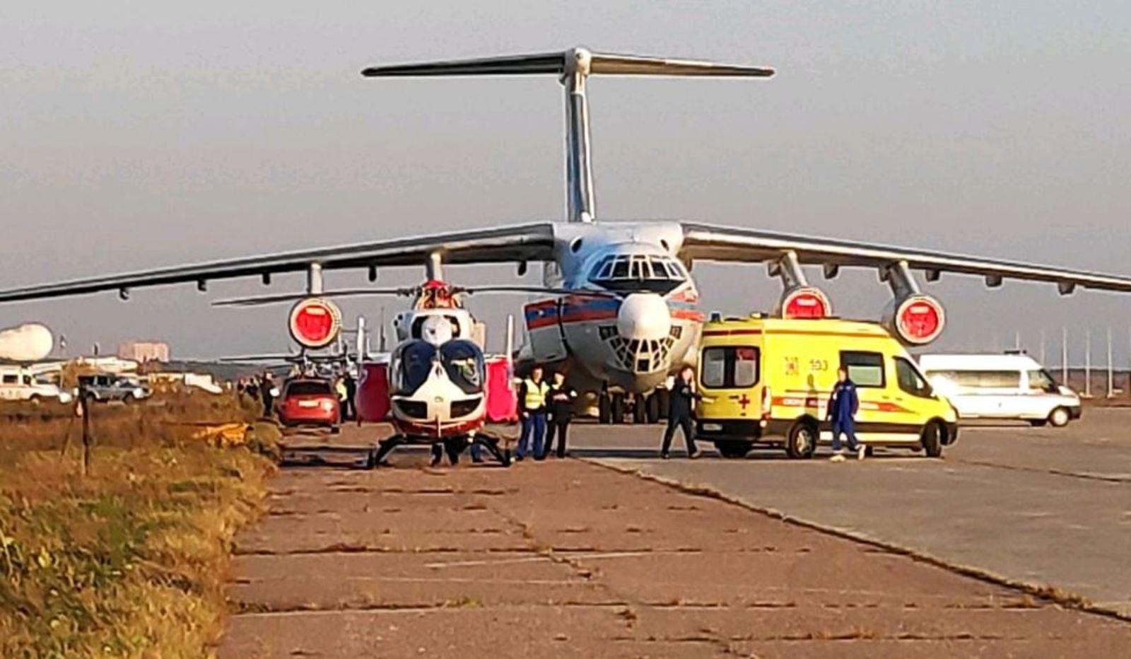 Самолет приземлился с пострадавшими в четверг