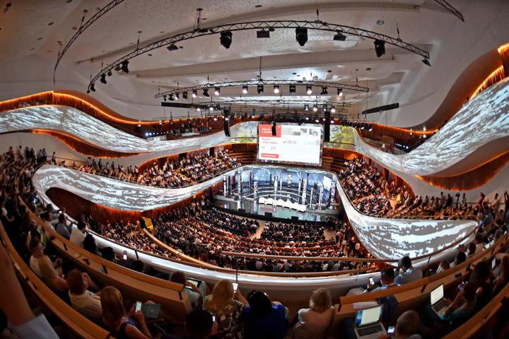 Концертный зал «Зарядье» / Михаил Колобаев / Комплекс градостроительной политики и строительства