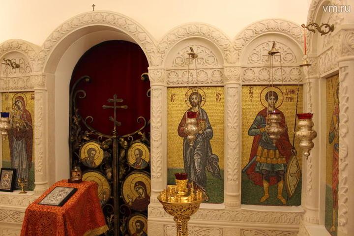 """Все иконы в подземном храме выложены мозаикой / Ксения Ефимкова, """"Вечерняя Москва"""""""
