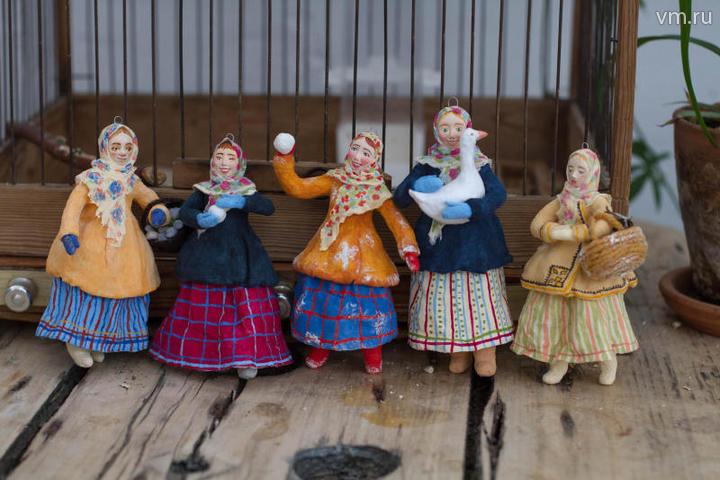 """Принять их за ретро довольно легко и потому, что именно так выглядели игрушки, которыми наряжали елки наши прабабушки и прадедушки / Екатерина Якель, """"Вечерняя Москва"""""""