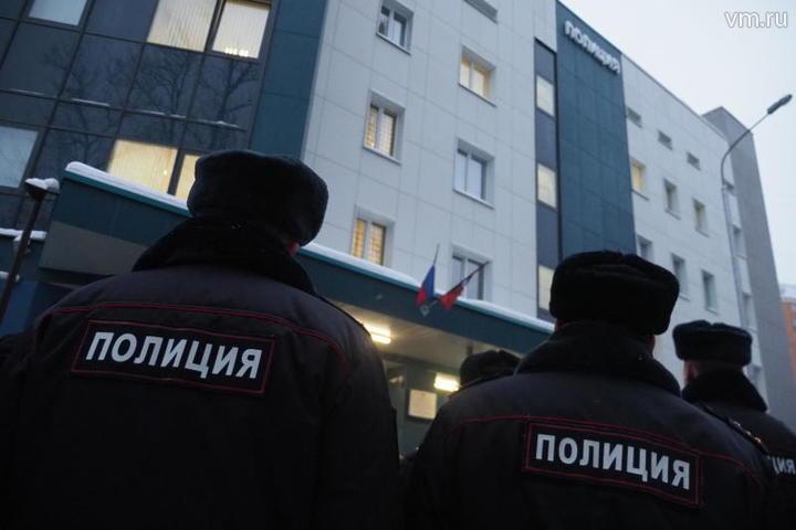Неизвестный попытался изнасиловать женщину в лифте дома в Строгино
