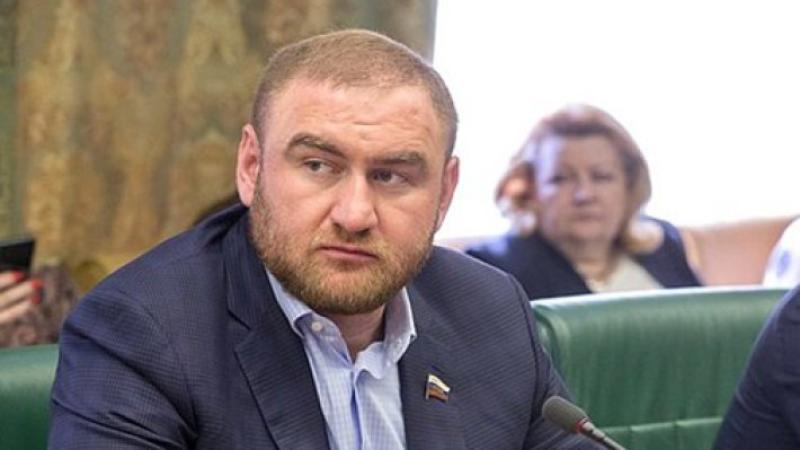 На фото: Сенатор от Карачаево-Черкесии Рауф Арашуков / council.gov.ru / Совет Федерации Федерального Собрания Российской Федерации