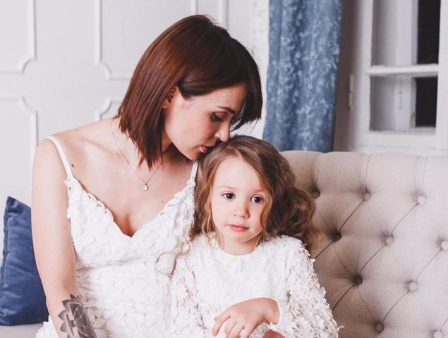Ирина Муромцева с младшей дочерью Сашей / https://www.instagram.com/ira_muromtseva/?hl=ru/Официальный Инстаграм Ирины Муромцевой