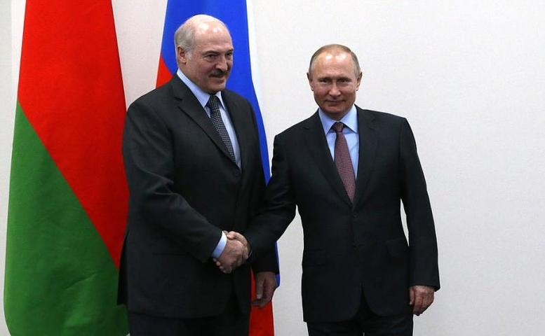 Текущим летом прошли переговоры президента России Владимира Путина и президента Белоруссии Александра Лукашенко