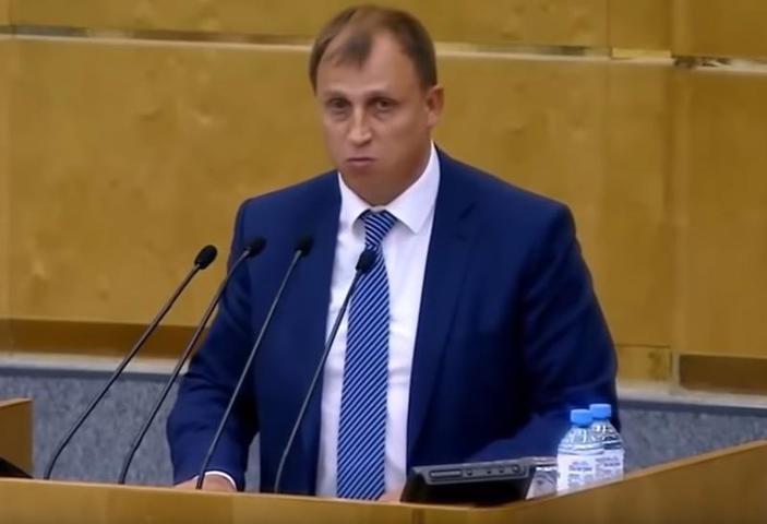 Политический деятель Сергей Вострецов / Cкриншот с видео YouTube-канала Корпорация Правды