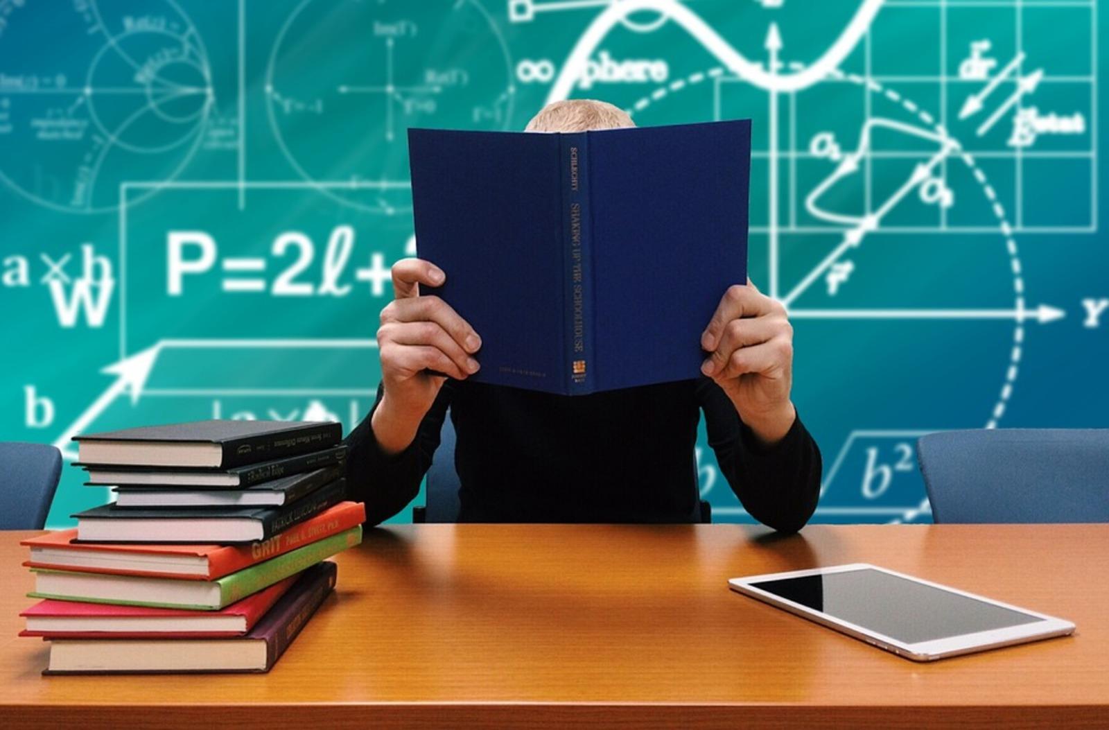 26 процентов школьников считают, что школа негативно повлияла на их самооценку / https://pixabay.com