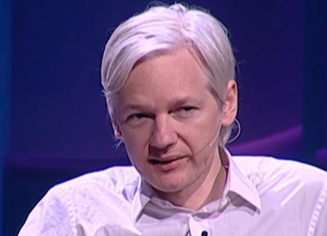 Кадры задержания мятежного журналиста, давно ставшего крупной политической фигурой, облетели мир / Cкриншот с видео TED, Дождь