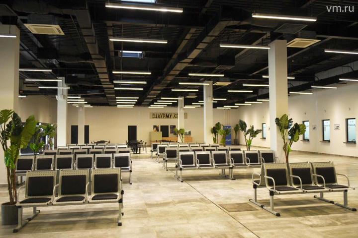 В одноэтажном здании есть большой зал ожидания, кассы, комната матери и ребенка / Владимир Новиков, «Вечерняя Москва»
