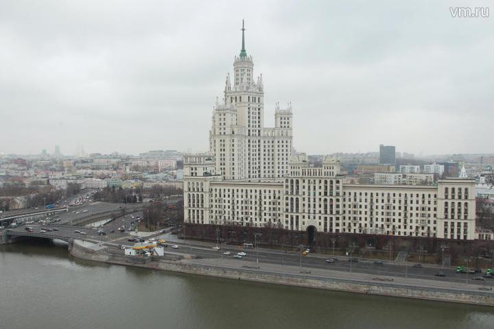 Эксперт предположил, что вертолеты могут пустить в Москве вдоль русел рек / Наталия Нечаева, «Вечерняя Москва»