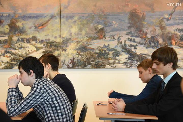 Символично, что сегодня перед праздником Великой Победы пишет этот диктант молодежь / Пелагия Замятина, «Вечерняя Москва»