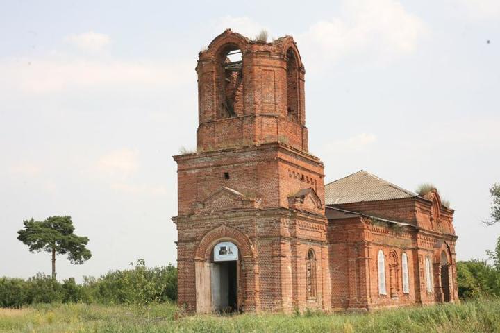 Вот так Крестовоздвиженская церковь выглядела до начала работ / Из личного архива семьи Слеповых
