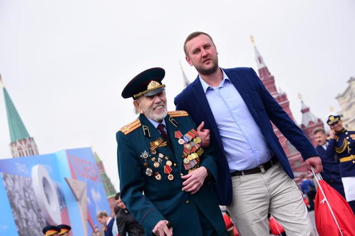 На фото: ветеран Великой Отечественной войны Владимир Бараев / Пелагия Замятина, «Вечерняя Москва»