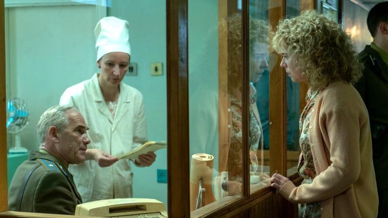 Актеры сериала разговаривают с британским акцентом / Кадр из сериала «Чернобыль» © HBO
