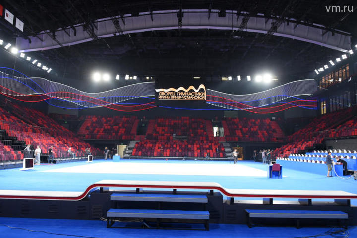 Основную часть здания занимает арена размером 54 на 36 метров с частично трансформируемыми трибунами / Владимир Новиков, «Вечерняя Москва»