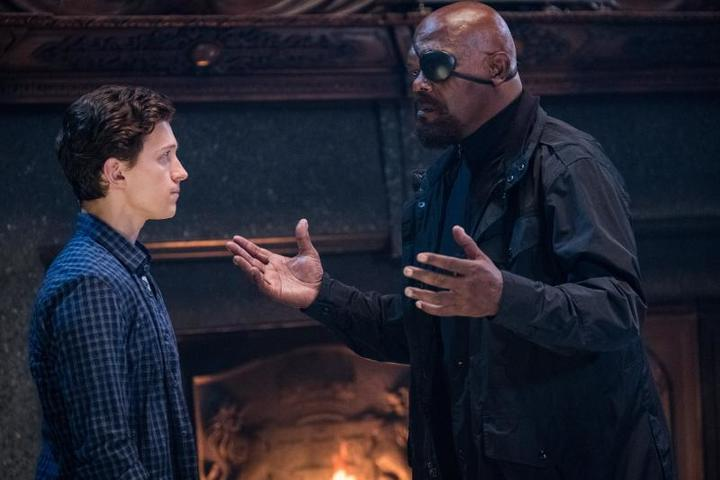 Не последнюю роль в судьбе Питера Паркера сыграет бывший директор организации Щ.И.Т. Ник Фьюри в исполнении Сэмюэля Джексона / Кадр из фильма «Человек-паук: Вдали от дома»