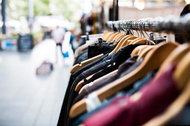Отечественные производители одежды грамотно формируют ценовую политику / https://pixabay.com/ru/