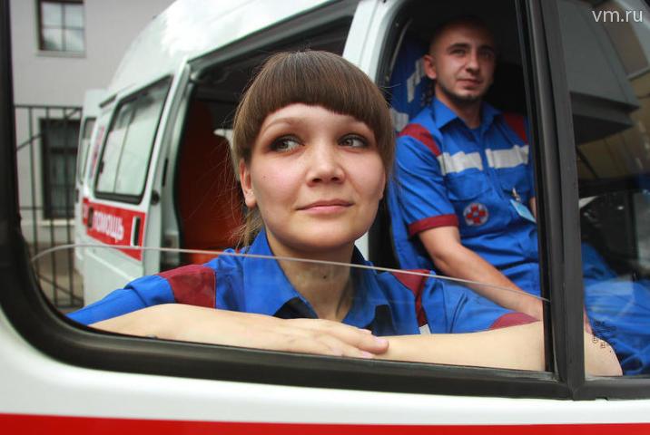 Суть сей законотворческой новинки в том, что врач скорой помощи (в том числе и в Москве) может начинать лечить больного, который в силу своего беспомощного состояния не дал на это письменного согласия / Наталия Нечаева, «Вечерняя Москва»