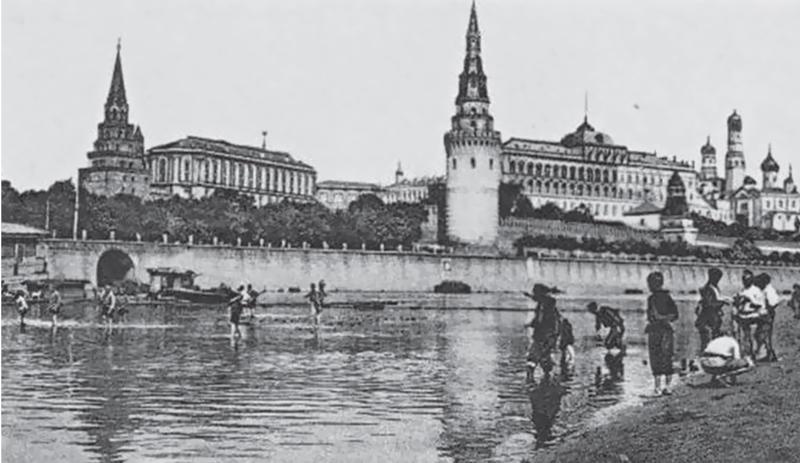 БЫЛО. А в начале 1900-х годов река была мелководной, и горожане смело переходили ее вброд / PASTVU_COM
