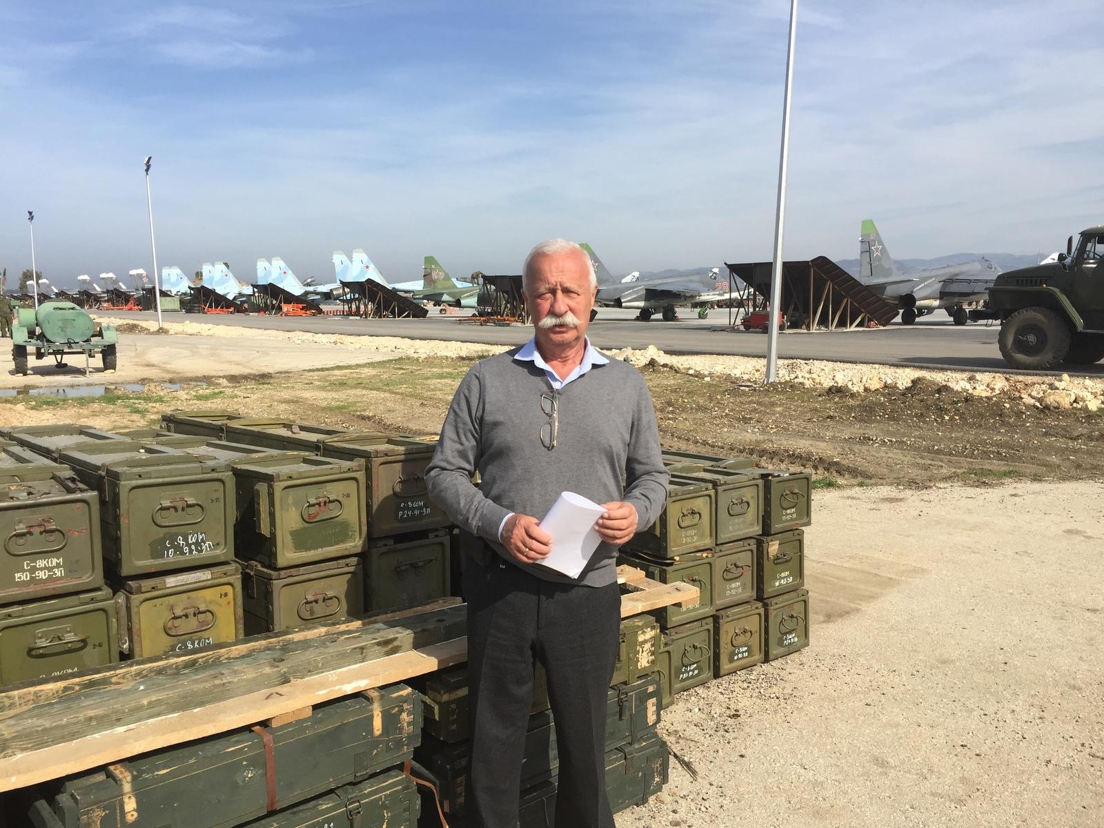 Недавно прошел ВЛЭК и подтвердил сертификацию пилота на три воздушных судна / Из личного архива Леонида Якубовича