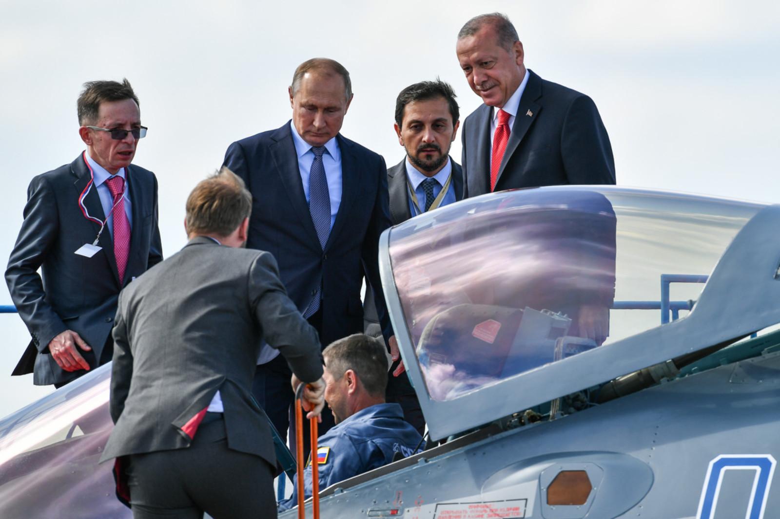 Президент России Владимир Путин и президент Турции Реджеп Тайип Эрдоган / Официальный сайт Международного авиационно-космического салона (https://aviasalon.com/)