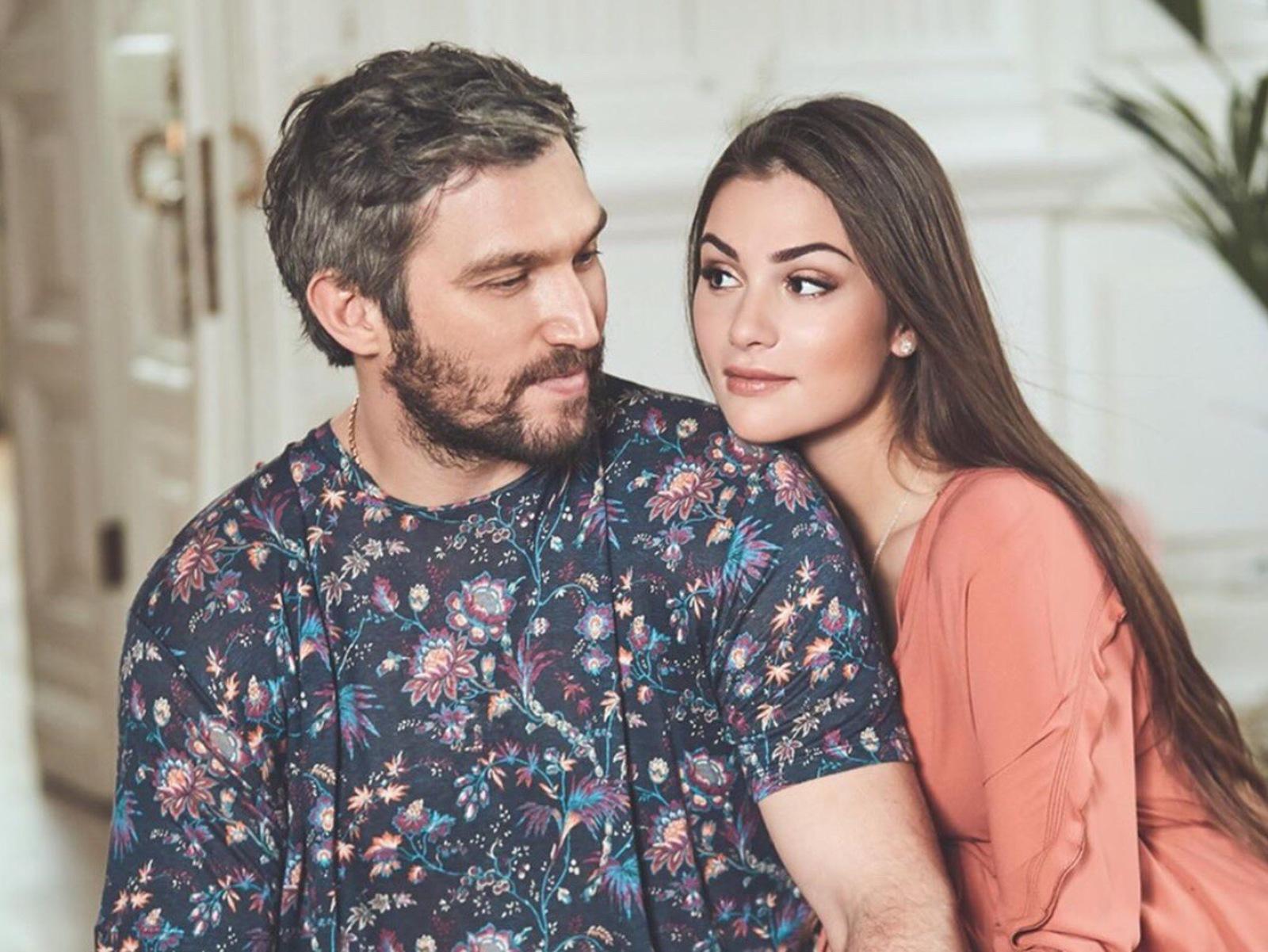 Александр Овечкин и Анастасия Шубская воспитывают сына Сергея